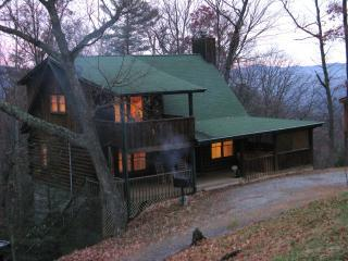 Affordable Smoky Mountain Cabin Rental w/ Hot tub - Pigeon Forge vacation rentals