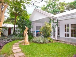 20 Triton Close  Port Douglas - 011 - Mistral Art House - Port Douglas - rentals