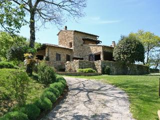 Farmhouse in the Chianti Hills with Private Pool - Villa Consorzio - Lucarelli vacation rentals
