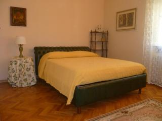 Enchanting Apartment Close to the Center at Casa Iris - Florence vacation rentals