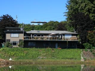 THE MARINA B & B - Port Hardy vacation rentals