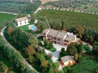 Luxury Villa with marvellous view on 2 valleys - Perugia, Italy - Fratticiola Selvatica vacation rentals