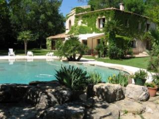 Holiday rental Villas Les Milles - Aix en Provence (Bouches-du-Rhône), 300 m², 4 800 € - Les Brévières vacation rentals