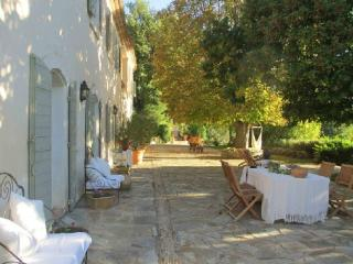 Holiday rental French farmhouses / Country houses Sud Luberon (Vaucluse), 340 m², 6 250 € - Saint-Priest vacation rentals