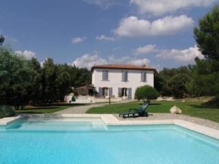 Holiday rental Villas Fuveau (Bouches-du-Rhône), 200 m², 2 350 € - Fuveau vacation rentals