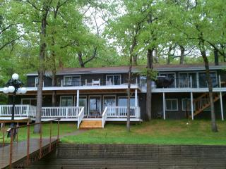 Lion's Gate ~ 6 & 6 ~ One of the Lake's Favorites! - Sunrise Beach vacation rentals