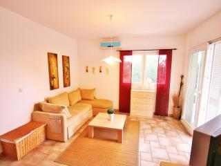 Villa Maslina -apartment Lia - Brac vacation rentals