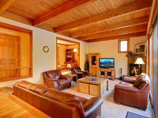 Large 3BR/3BA Townhome Big, Comfy, and Affordable - Keystone vacation rentals
