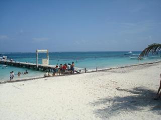 Charming Studio Puerto Morelos 3 Min walk to Beach - Puerto Morelos vacation rentals