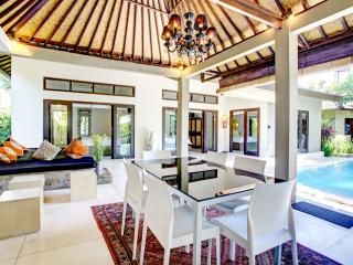 Serene, chic Sitara Villa, Seminyak - lush gardens - Seminyak vacation rentals