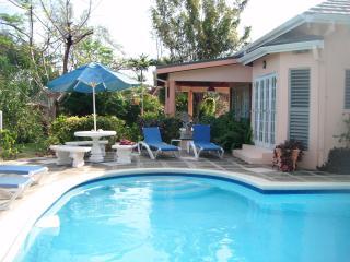 Fanta Sea Villa - Runaway Bay vacation rentals
