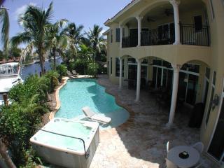 Tropical House Near Beach with Yacht Cruise Avail - Pompano Beach vacation rentals