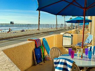 Rooftop hot tub with ocean views, beachfront - Oceanside vacation rentals