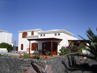 Beautiful villa with private heated pool & sky tv - Playa Blanca vacation rentals