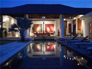 minimalist villa in the heart of seminyak - Seminyak vacation rentals
