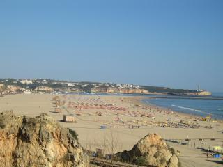 3 Bedroom Apartment in Praia da Rocha, Portimao - Portimão vacation rentals