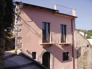 Casa Rosa detached village house Abruzzo, Sulmona, - Sulmona vacation rentals