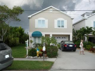 Beautiful Home 1 Block to the Gulf on Spring Lake. - Holmes Beach vacation rentals