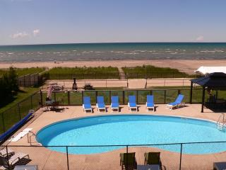 BAYFRONT BEACH WITH HEATED POOL - Wasaga Beach vacation rentals