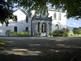 Luxury Manor In Private/Estate/Golf/Walking/Riding - Castleisland vacation rentals