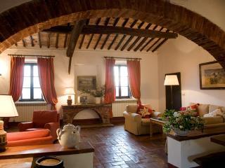 Borgo di Stomennano - Volta A - Monteriggioni vacation rentals