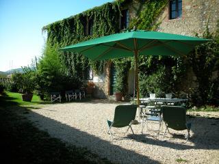 Borgo di Stomennano - Volta A+B - Monteriggioni vacation rentals