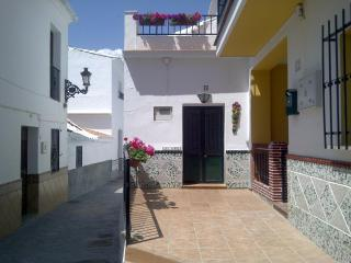 Delightful Village House in Torrox, Costa del Sol - Torrox vacation rentals