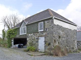 THE LOFT, romantic, country holiday cottage, with a garden in St Keverne, Ref 3998 - Coverack vacation rentals