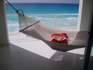 Beautiful Beach Front View_MAY SALE $900 X WEEK - Cancun vacation rentals