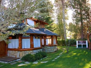 Charming Cottage Minutes from Downtown Bariloche - San Carlos de Bariloche vacation rentals