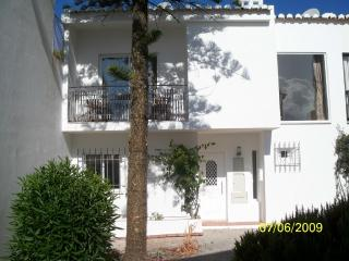 Villa close to Beach and Golf - Vale do Garrao vacation rentals