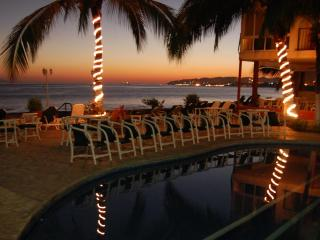 Beachfront condo, Vallarta affordable (Bucerias) - Bucerias vacation rentals