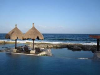 The best sunrise view, perfect location, Coba 11 - Puerto Aventuras vacation rentals