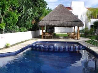 Amazing 3 brm Villa at the Golf Club, PM2 - Playa del Carmen vacation rentals