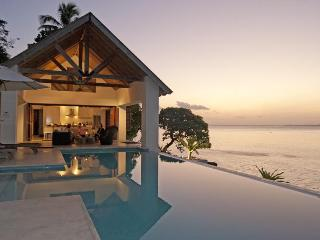 Villa 25, 3  Luxury waterfront 2 bedroom Villas - Port Vila vacation rentals
