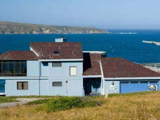Welcome Retreat, a spectacular ocean front view - Dillon Beach vacation rentals