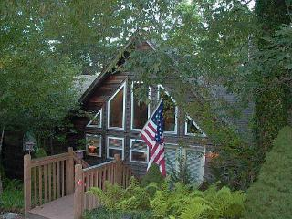 Close to waterfalls, 3BR/2 bath, ALL on one level - Highlands vacation rentals