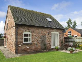 IVY COTTAGE, pet friendly, character holiday cottage, with a garden in Hollington, Derbyshire, Ref 4180 - Hartshorne vacation rentals