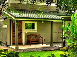 Zen Luxury Bamboo Bungalow, Japanese Gardens & Spa - Laupahoehoe vacation rentals