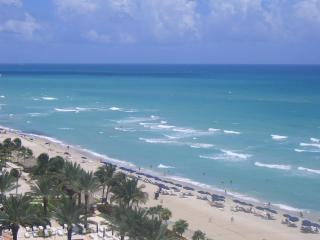 Beach front Studio ,Sunny Isles *  Great rates!!! - Miami Beach vacation rentals