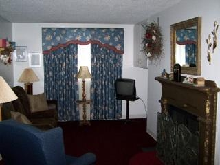 Oak Square -1Bedroom Condo with Jacuzzi (309) - Gatlinburg vacation rentals