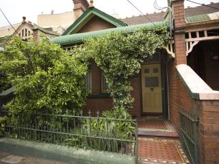 Cosy 3 bedroom Cottage close to City - Sydney vacation rentals