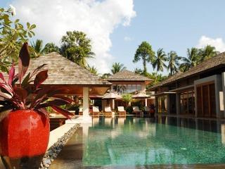 Ayundra Villa - New 5 Bedroom Beachfront Villa - Koh Samui vacation rentals