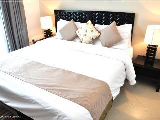 252-Great Apartment In Dubai Marina - Dubai vacation rentals