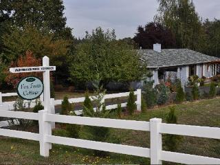 Fox Farm Cottage - Hubbard vacation rentals
