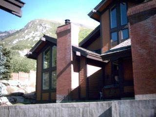 Canyon Racquet Club 4 bedroom/loft Condo Sleeps 12 - Sandy vacation rentals