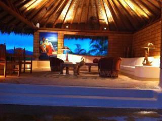 CASA RIGOLETTI - Zihuatanejo vacation rentals