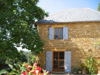 Sarlat Luxury cottage, pool, garden, stunning view - Carennac vacation rentals
