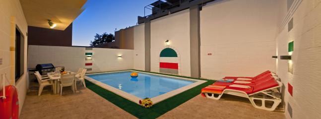 Outdoor pool area - 6 bedroom villa with private pool, close to beach - Marsascala - rentals