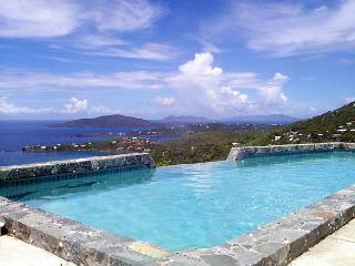 VILLA AMOUR ,Romantic , Art Lovers Paradise , - North Side vacation rentals